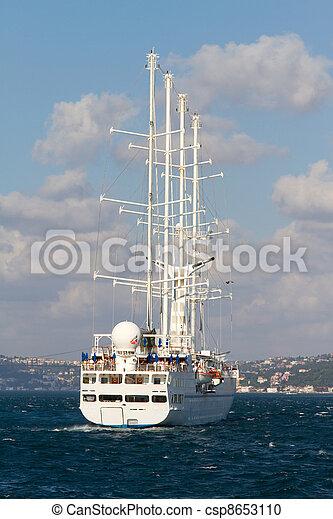 Barco de vela - csp8653110