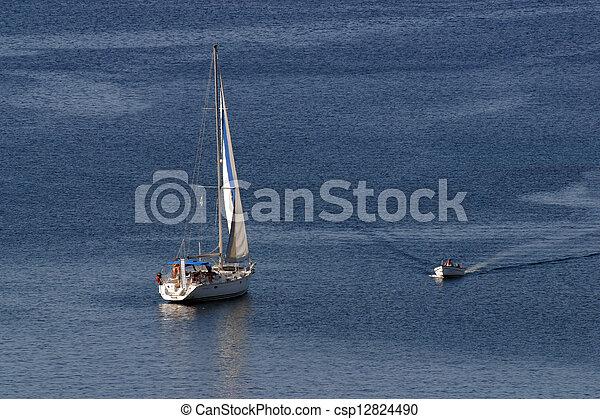 Barco de vela - csp12824490