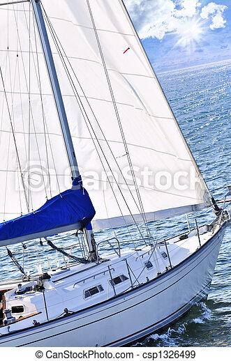 Barco de vela - csp1326499