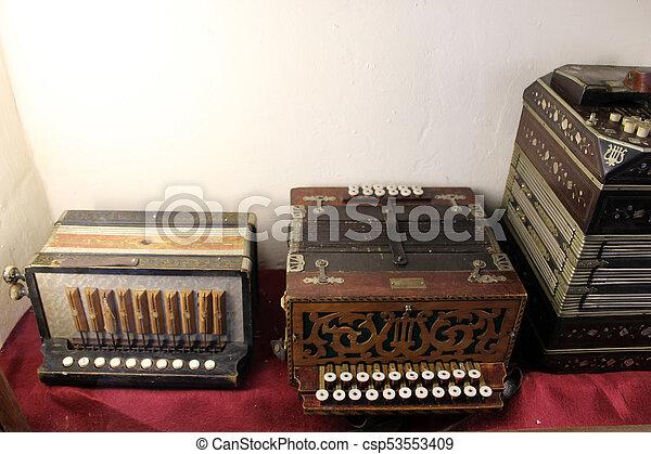 vendemmia, macchina scrivere - csp53553409