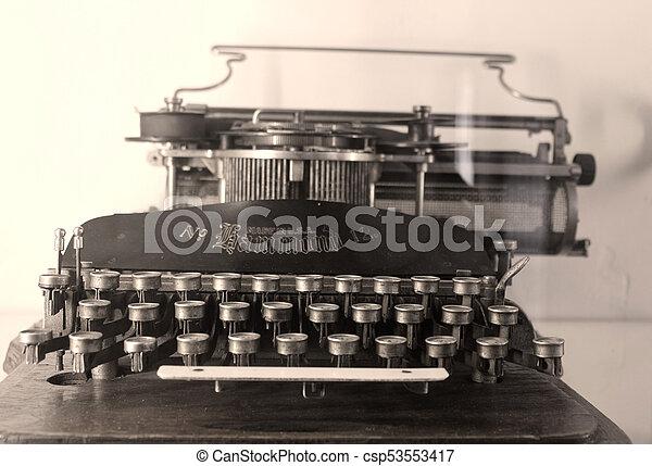 vendemmia, macchina scrivere - csp53553417