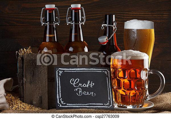 Vidrio de cerveza artesanal y caja vintage - csp27763009