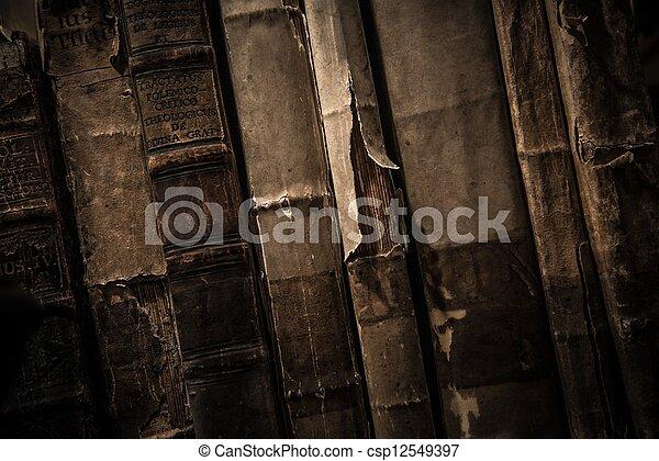 vendimia, libros, fila - csp12549397