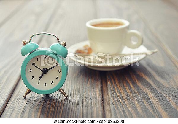 Reloj de alarma antiguo - csp19963208
