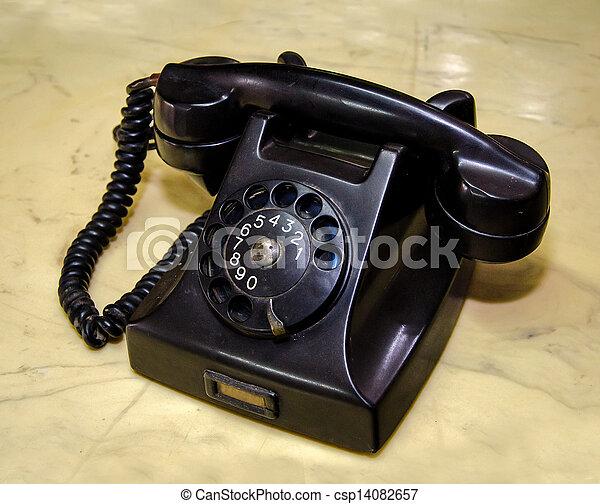 Un teléfono de alquiler - csp14082657