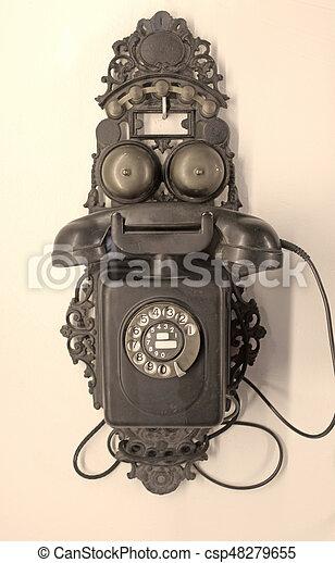 Teléfono antiguo - csp48279655