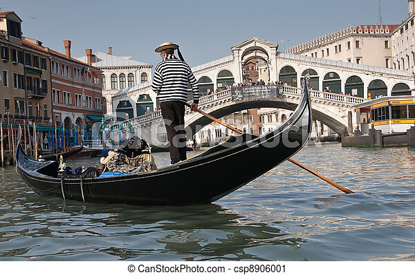 Gran canal, Venecia - csp8906001