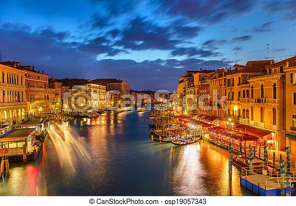 Venecia por la noche - csp19057343