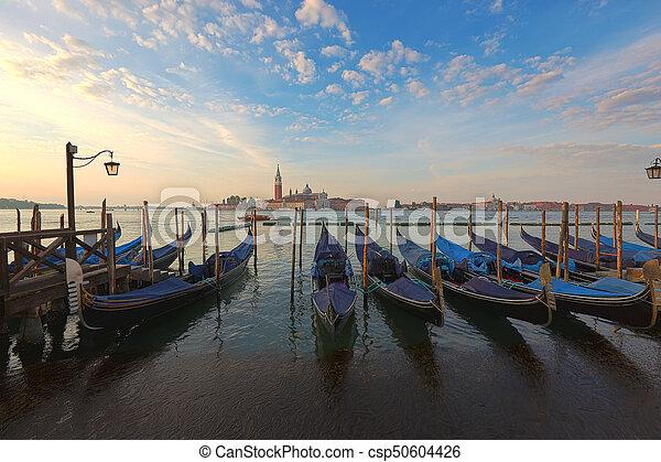 Gondolas venecianas al amanecer - csp50604426