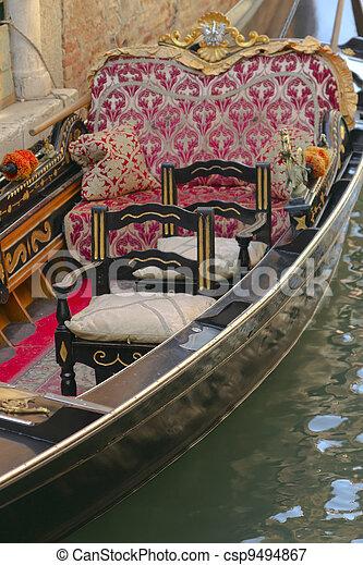 Gondola cierra (Venice, Italia) - csp9494867