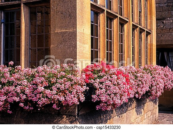 Cajas de ventanas de Cotswold, Broadway. - csp15433230