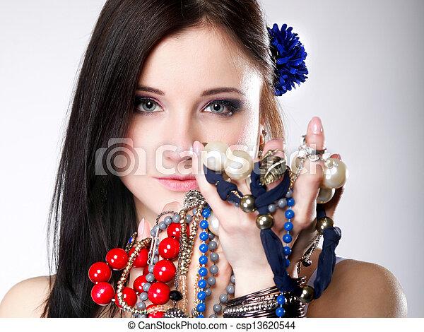verão, contas, jóia, abundância, mãos, menina - csp13620544