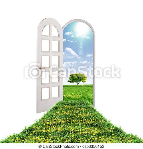 La puerta abierta lleva al verano - csp8356152