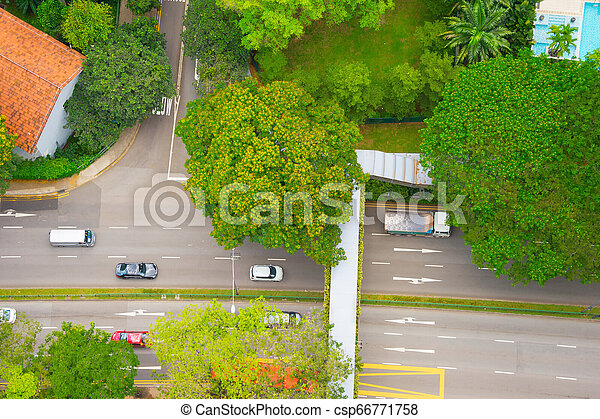 Tráfico en Green Street, Singapur - csp66771758