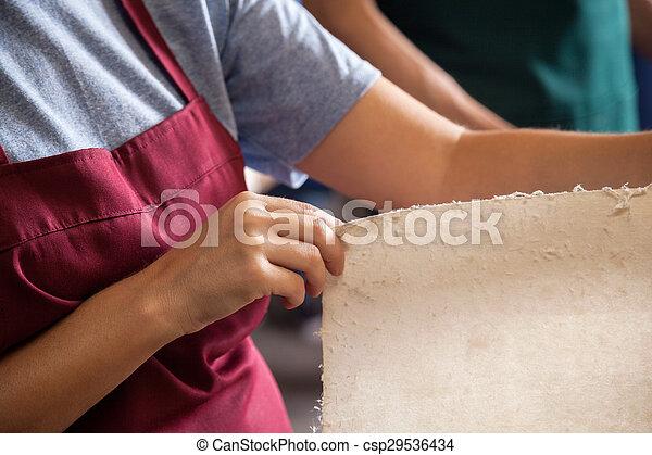 verificar, trabalhador, midsection, papeis - csp29536434