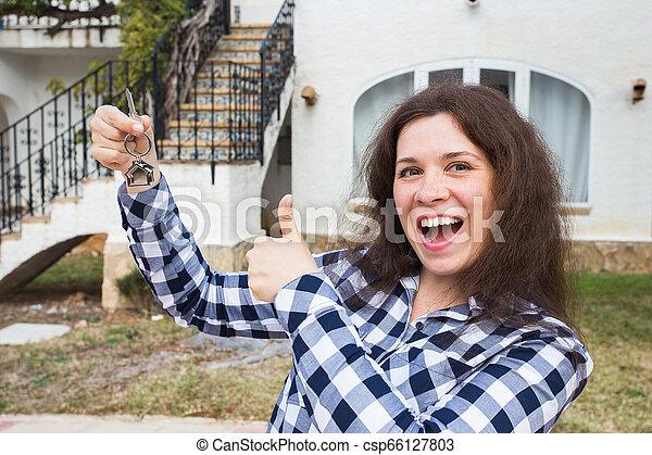 verklig, begrepp, egendom, stämm, hus, -, ung kvinna, färsk, främre del, hem, egenskap, lycklig - csp66127803