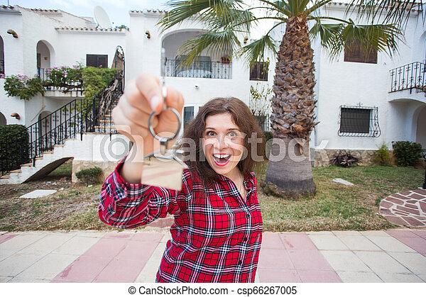 verklig, begrepp, egendom, stämm, hus, -, ung kvinna, färsk, främre del, hem, egenskap, lycklig - csp66267005