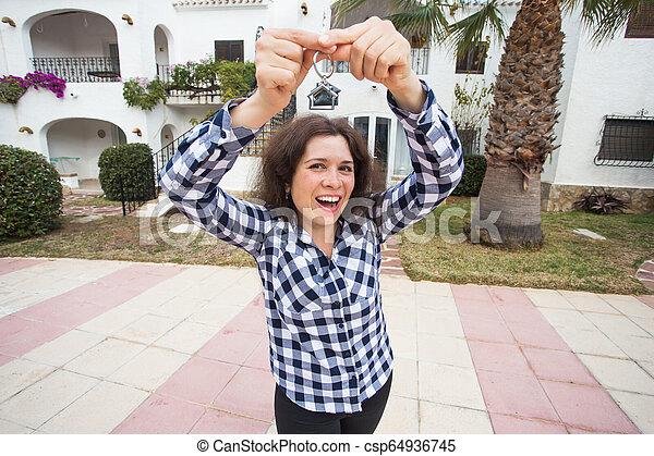 verklig, begrepp, egendom, stämm, hus, -, ung kvinna, färsk, främre del, hem, egenskap, lycklig - csp64936745