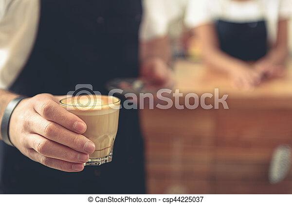 verre art, serveur, latte, tulipe, savoureux, tenue - csp44225037
