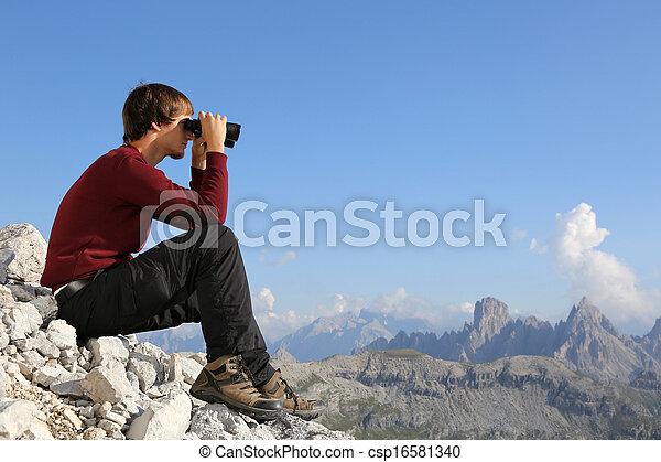 verrekijker, bergen, bestemming, door, grondig - csp16581340