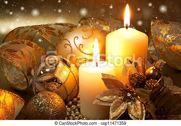 versiering, kaarsjes, op, donkere achtergrond, kerstmis - csp11471359