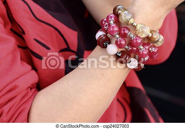 vervelend, jewelry., vrouw, hemd, armband, rood - csp24027003