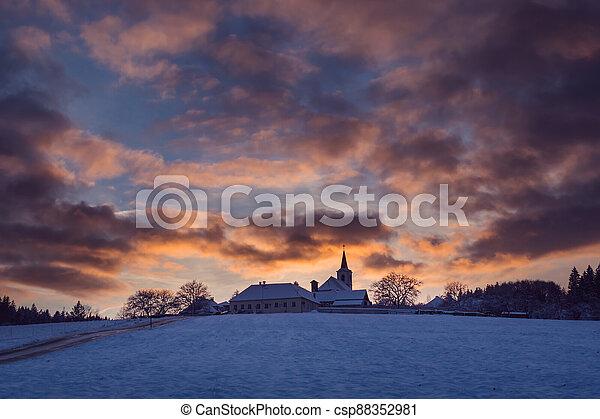 vesnice, hoblík, církev, nebe, překrásný, kopec, republika, čech, západ slunce, vezovata, zima - csp88352981