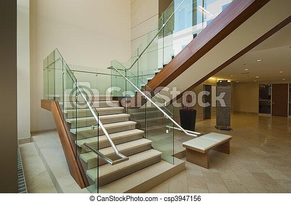 La escalera del vestíbulo - csp3947156