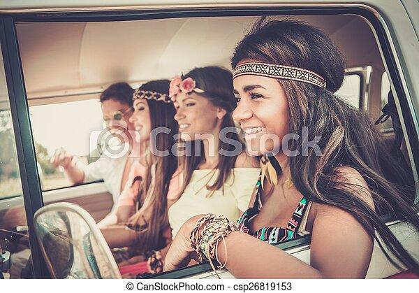 viagem, amigos, hippie, estrada, multi-étnico - csp26819153