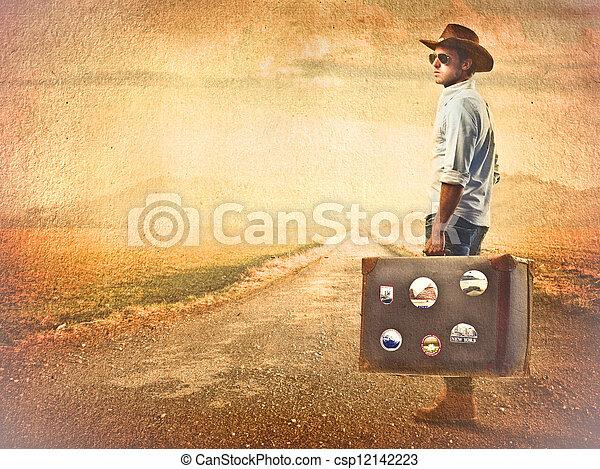 Hombre viajero - csp12142223