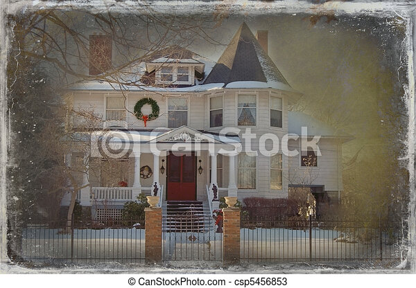 Victorian christmas house. Old victorian home decorated ...