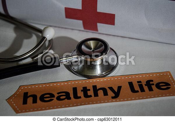 Mensaje de vida saludable con estetoscopio, concepto de salud. - csp63012011