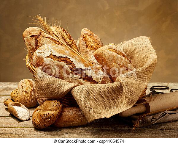 El pan sigue siendo vida - csp41054574