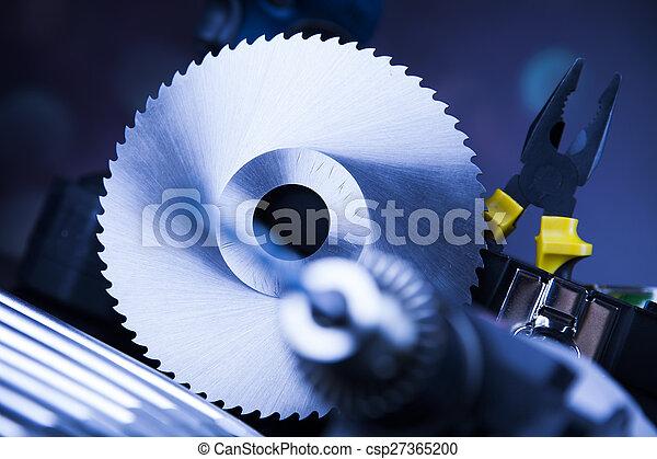 Aún vive con herramientas constructoras - csp27365200
