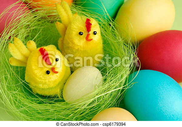El colorido Easter sigue vivo - csp6179394
