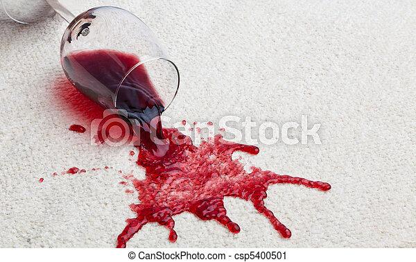 Alfombra sucia de cristal rojo. - csp5400501