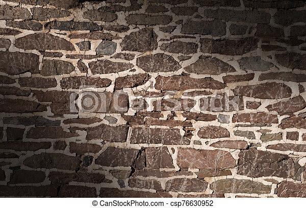 viejo, albañilería, utilizar, lit, pared, diagonalmente, irregular, piedras - csp76630952