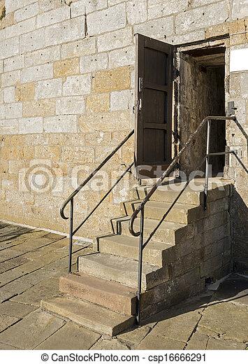 viejo, escalera - csp16666291