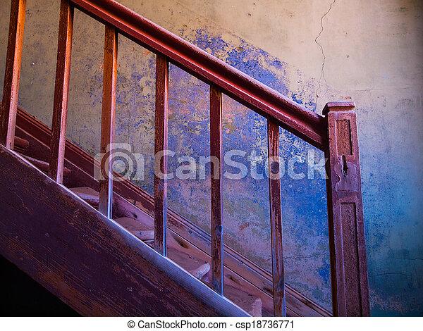 viejo, escalera - csp18736771