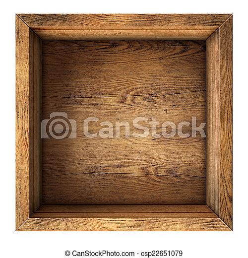 Una vieja caja de madera de primera vista aislada - csp22651079