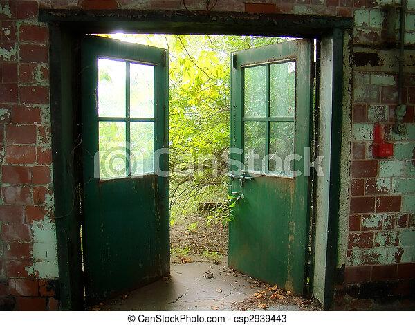 viejo, puertas - csp2939443