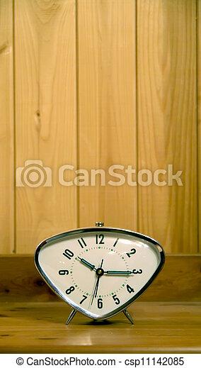 Cierra la vista del viejo despertador - csp11142085