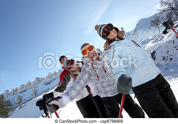 vier, friends, ski fahrend - csp8796668