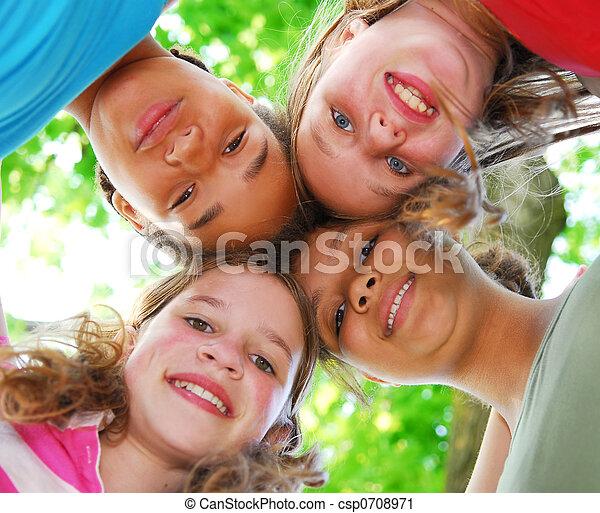 Vier Mädchen - csp0708971