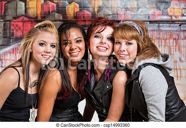 Vier süße Teenager - csp14993360
