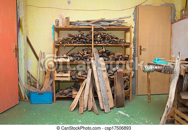 vieux, bois, stockage, endroit, branches, planches, rempli - csp17506893