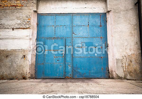 vieux, porte, fer, fermé - csp18788504