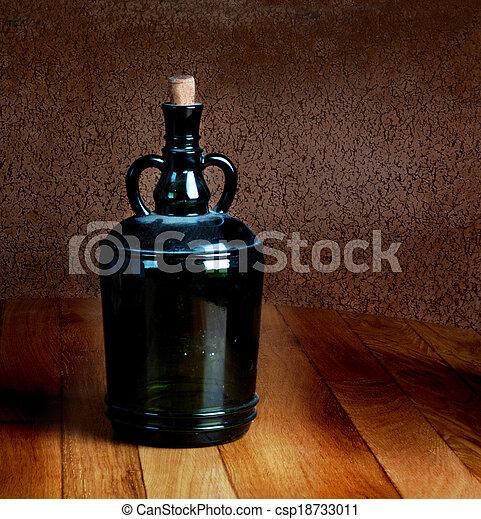 vieux, poussiéreux, vendange, bois, bouteille, table - csp18733011