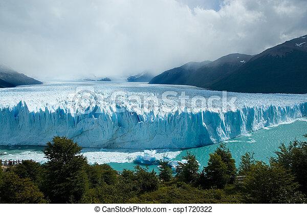 View of the magnificent Perito Moreno glacier, Argentina. - csp1720322