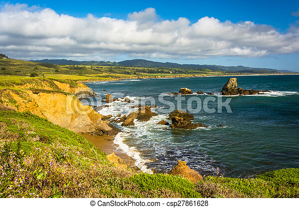 View of the Pacific Coast in Pescadero, California. - csp27861628